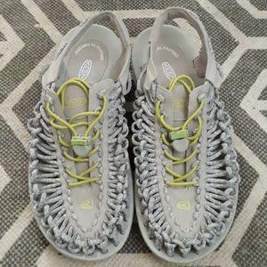 Keen shoes sz.9.5 /40